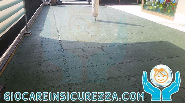 Pavimento drenante e modulare da esterni per cortili e piazzali di scuole