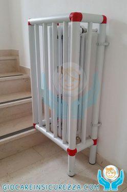 Copritermo asilo nido e scuola realizzato con tubi e raccordi di plastica